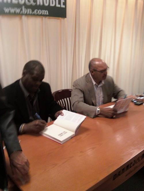 Reggie Jackson Bob Gibson Signing
